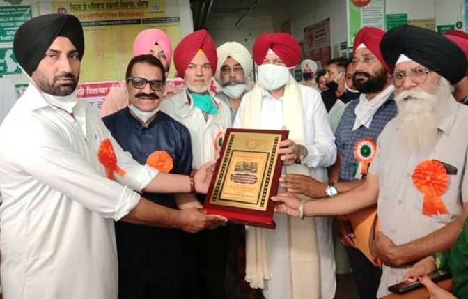 health minister inaugurates free dialysis center