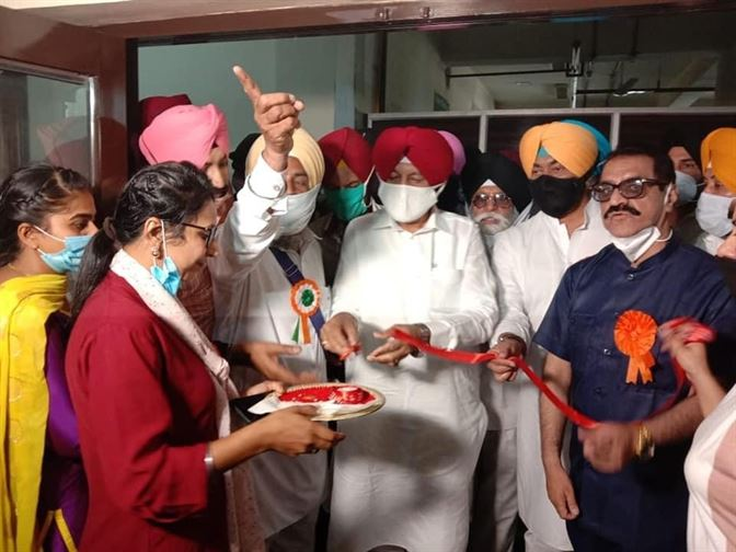 health minister inaugurates free dialysis center 2